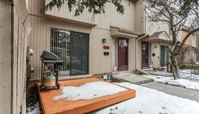 637 Oakbrook  W #unit#20-Bldg#4, Rochester Hills, MI 48307