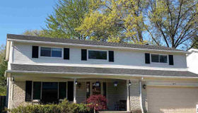 1229 Blairmoor CT, Grosse Pointe Woods, MI 48236