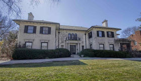 1005 Whittier Rd, Grosse Pointe Park, MI 48230