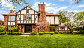 54 Regal Place, Grosse Pointe Shores, MI 48236