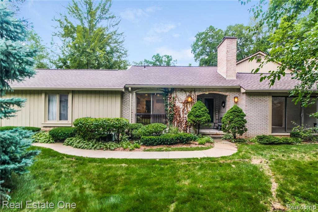 Another Property Sold - 1235 Manorwood Cir, Bloomfield Hills, MI 48304