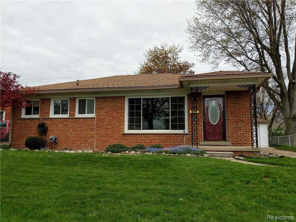 5233 Canterbury Ln, Warren, MI 48092 is now new to the market!