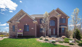 5909 Lakeview Dr, Washington twp, MI 48094