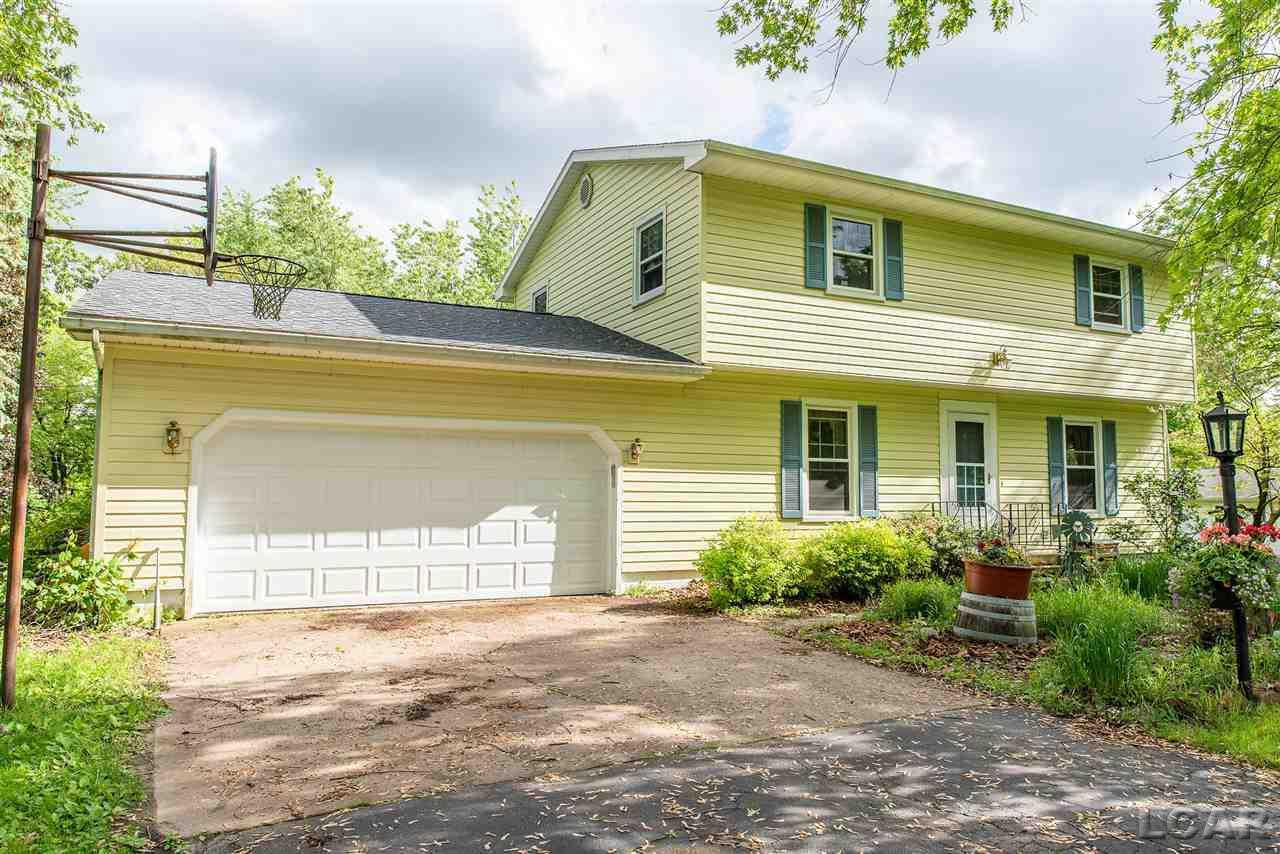 3235 Brookview CT, Adrian, MI 49221 now has a new price of $174,900!