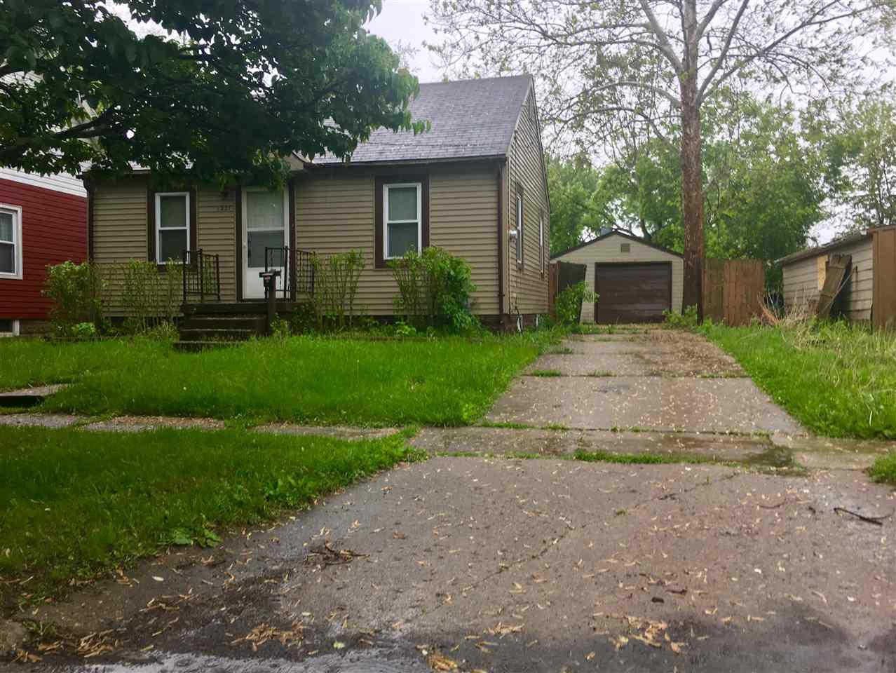 1221 Alvord, Flint, MI 48507 is now new to the market!