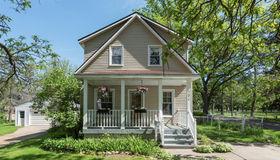 902 Fairview Ave, Rochester, MI 48307