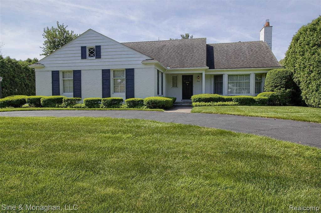 Another Property Sold - 663 Lochmoor Blvd, Grosse Pointe Woods, MI 48236