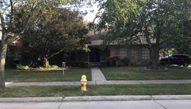 1465 Blairmoor Ct., Grosse Pointe Woods, MI 48236