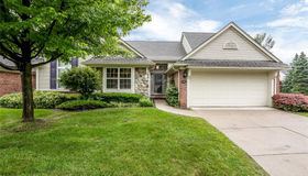 5701 Woodview Dr, Sterling Heights, MI 48314