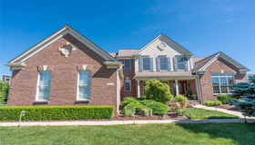 51058 Plymouth Valley Dr, Plymouth, MI 48170