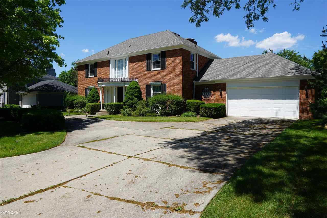 Another Property Sold - 76 Willow Tree, Grosse Pointe Shores, MI 48236