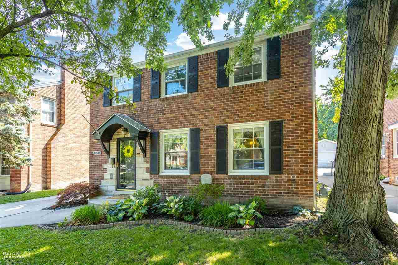 Another Property Sold - 1861 Manchester, Grosse Pointe Woods, MI 48236