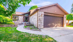 13956 Coldwater Dr, Sterling Heights, MI 48313