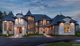 3755 West Maple Rd, Bloomfield Hills, MI 48301