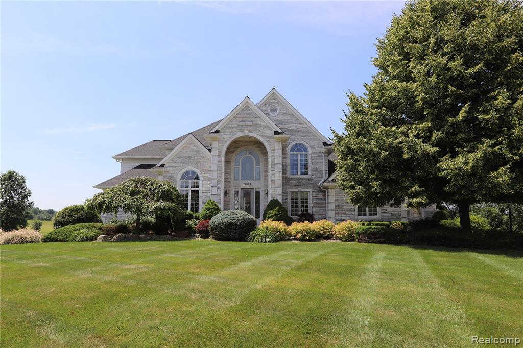 Another Property Sold - 11636 Kings Colony, Grand Blanc, MI 48439