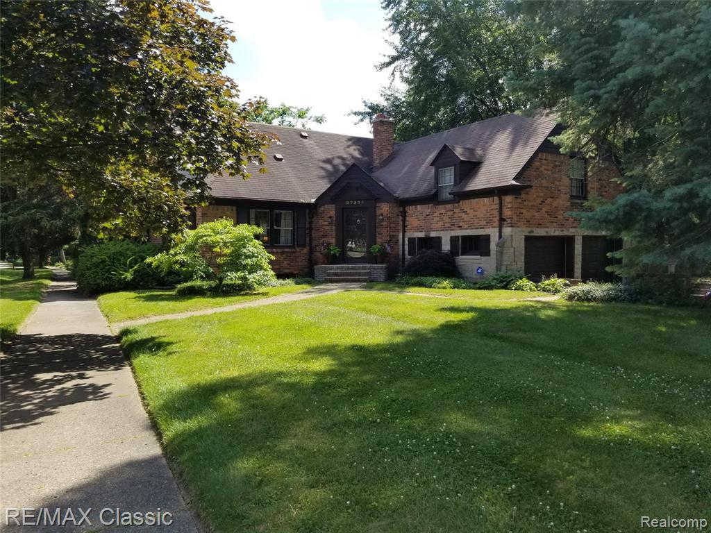 Another Property Sold - 27375 Bloomfield Dr, Lathrup Village, MI 48076