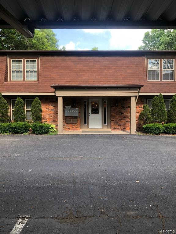 6350 Telegraph Rd #Unit#1, Bloomfield Hills, MI 48301 is now new to the market!