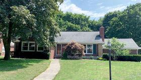 580 Lahser Rd, Bloomfield Hills, MI 48301