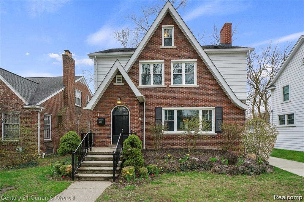 1803 West Houstonia Ave, Royal Oak, MI 48073 now has a new price of $364,900!