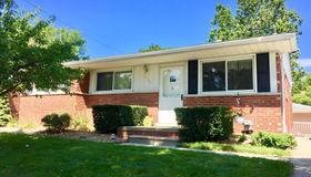 1412 Hickory Ave, Royal Oak, MI 48073