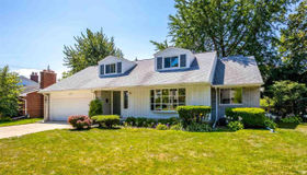 477 Cook Road, Grosse Pointe Woods, MI 48236