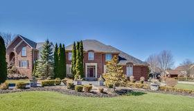 3412 Hidden Oaks Ln, West Bloomfield, MI 48324