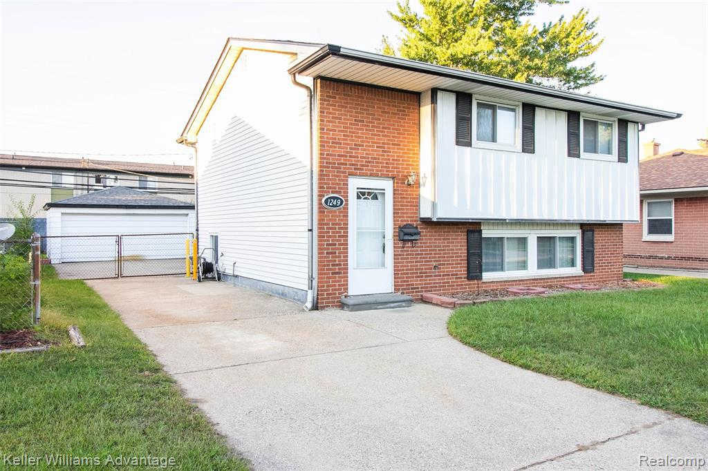 Another Property Sold - 1249 East Harwood Ave, Madison Heights, MI 48071