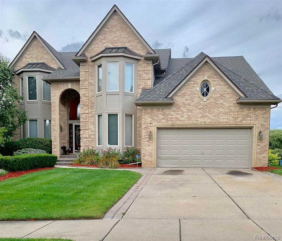 253 Glenmoor Dr, Rochester, MI 48307 now has a new price of $459,000!