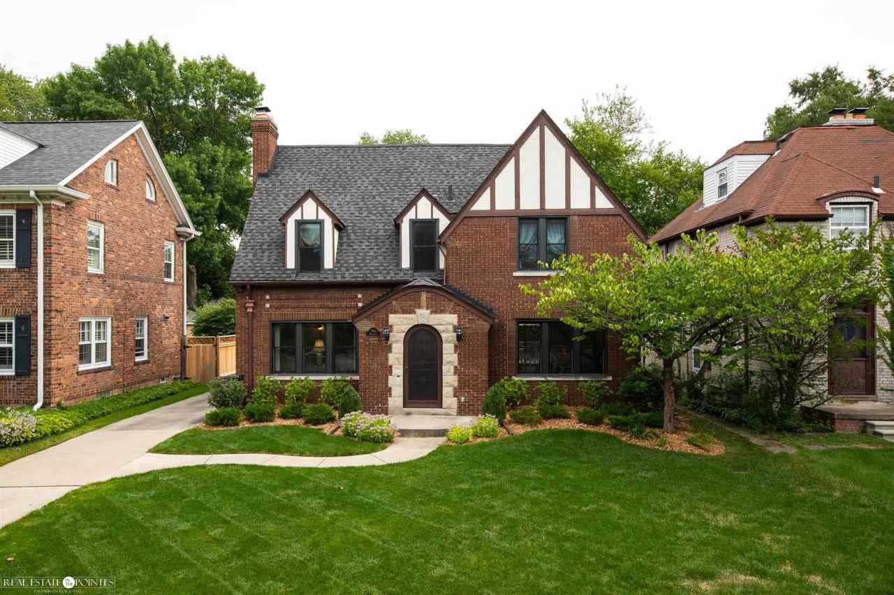 796 Washington, Grosse Pointe, MI 48230 is now new to the market!