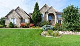 16655 Forest Dr, Northville, MI 48168