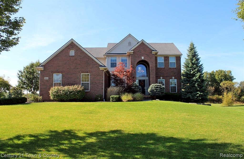 26683 Daria Circle W, South Lyon, MI 48178 is now new to the market!