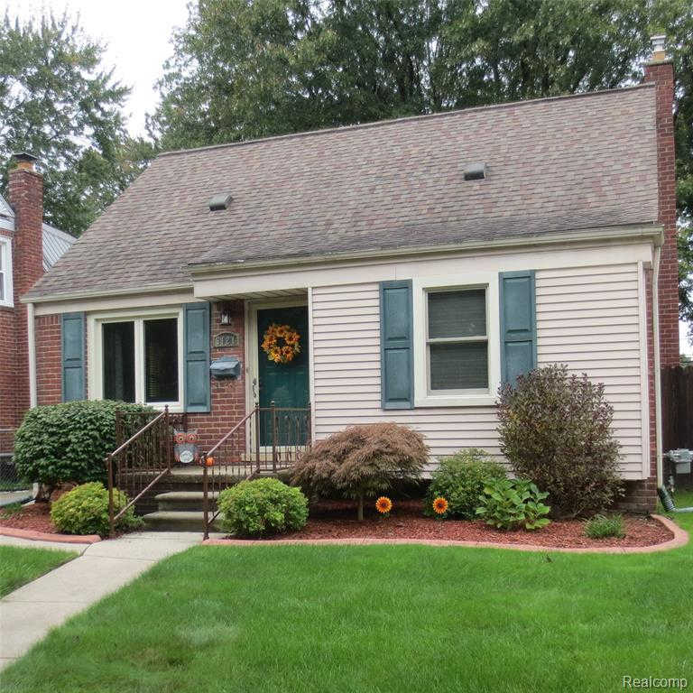 3121 North Vermont, Royal Oak, MI 48073 has an Open House on  Sunday, October 6, 2019 1:00 PM to 4:00 PM
