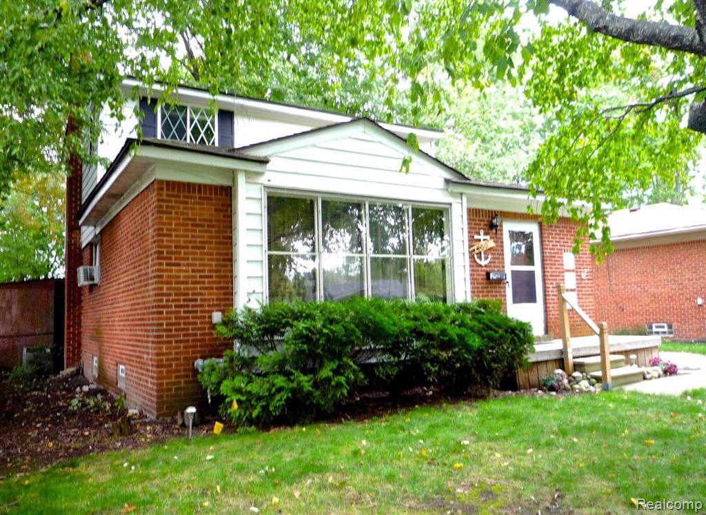 17309 Redwood Ave, Southfield, MI 48076 now has a new price of $137,500!