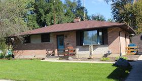 5395 Greenleaf Dr, Swartz Creek, MI 48473