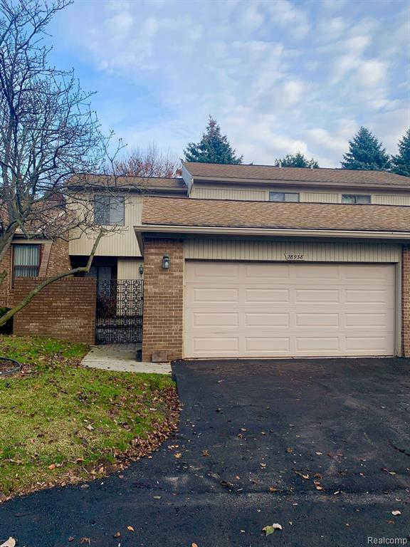 28938 Walnut Grove Ln, Southfield, MI 48034 is now new to the market!