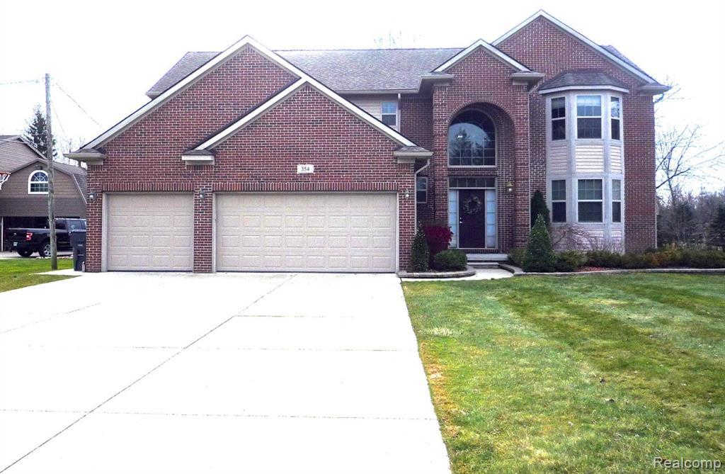 354 Leetonia Dr, Troy, MI 48085 is now new to the market!