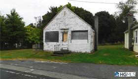 63 Morrissey Drive, Lake Peekskill, NY 10579