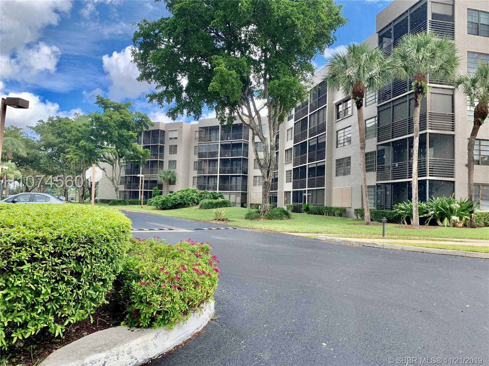 1001 Colony Point Cir #209, Pembroke Pines, FL 33026 is now new to the market!