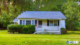 689 County Route 12, New Hampton, NY 10958