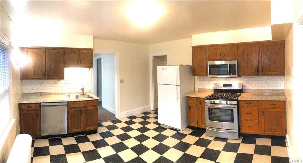 44 Kress Avenue #2nd Floor, New Rochelle, NY 10801 now has a new price of $1,850!