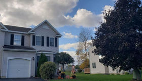 7 Paddlewheel CT, Waterford, NY 12188