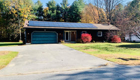 15 Michaels Dr, Queensbury, NY 12804