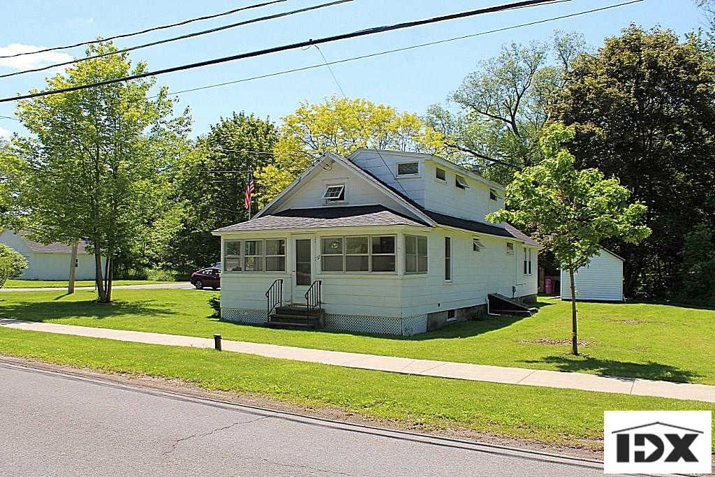 27 Mechanic Street, Lysander, NY 13027 now has a new price of $91,900!