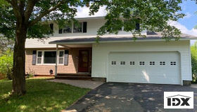 7727 Lemontree Lane, Clay, NY 13090