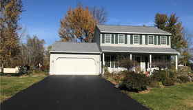 8749 Riverside House Path, Cicero, NY 13029
