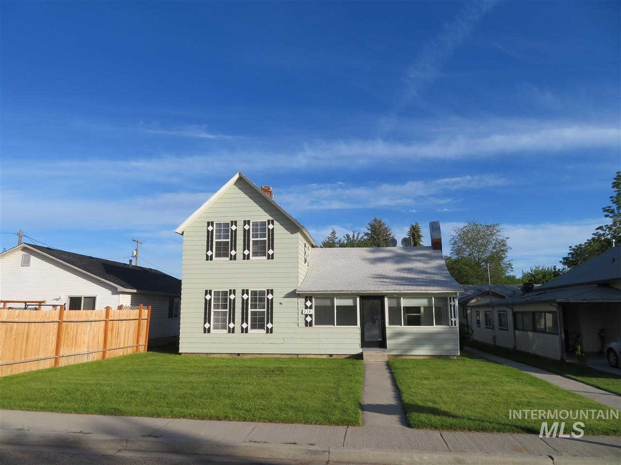 Video Tour  - 219 24th Ave S, Nampa, ID 83651-4473