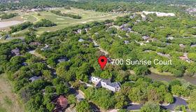 700 Sunrise Court, Arlington, TX 76006
