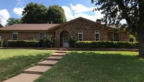 833 Cambridge Place, Grand Prairie, TX 75051