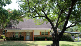 2213 Ingleside Drive, Grand Prairie, TX 75050