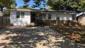 1014 Burleson Street, Grand Prairie, TX 75050